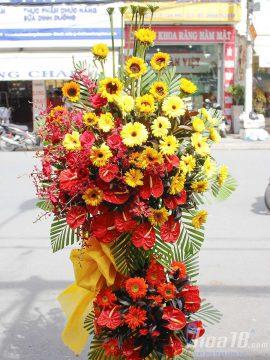 Lựa chọn ngay kệ hoa tươi làm món quà mang sự may mắn đến người nhận