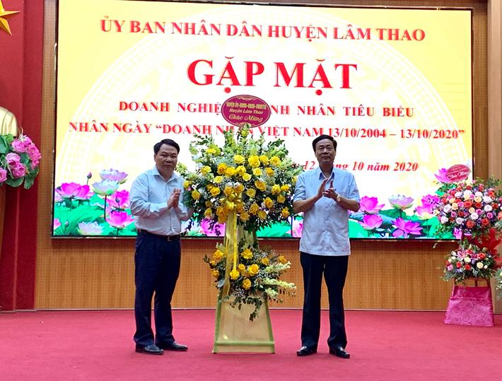 hoa chúc mừng ngày doanh nhân Việt Nam